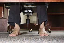 barefoot-in-the-office